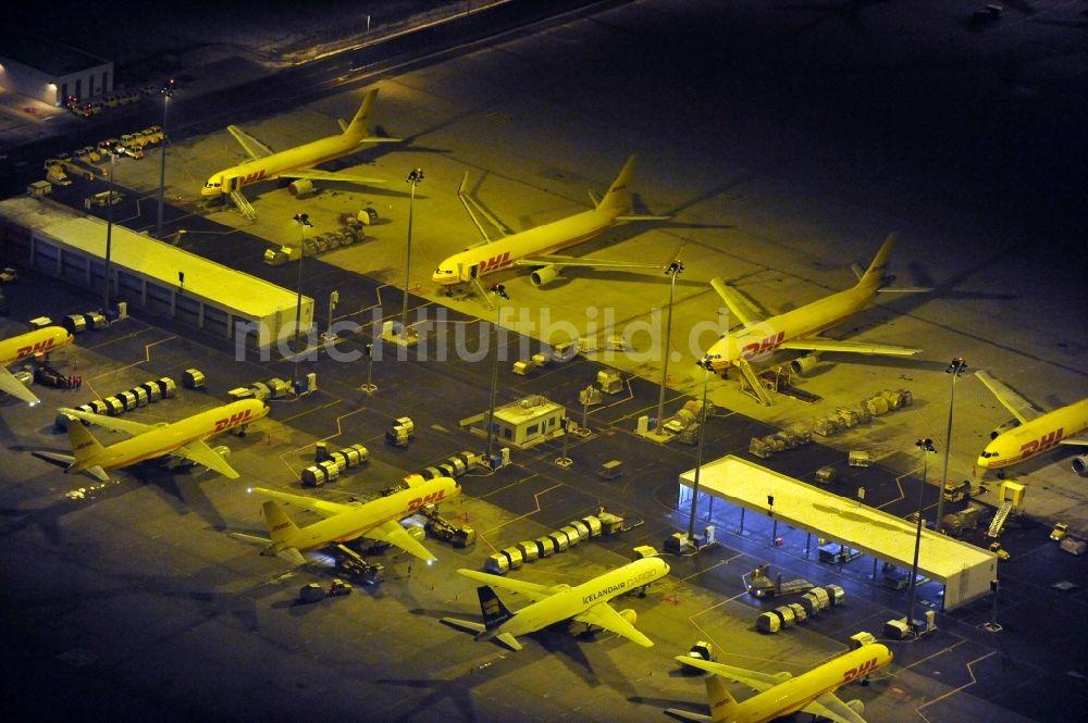 Leipzig Schkeuditz Bei Nacht Von Oben Flughafen Des Dhl Hub