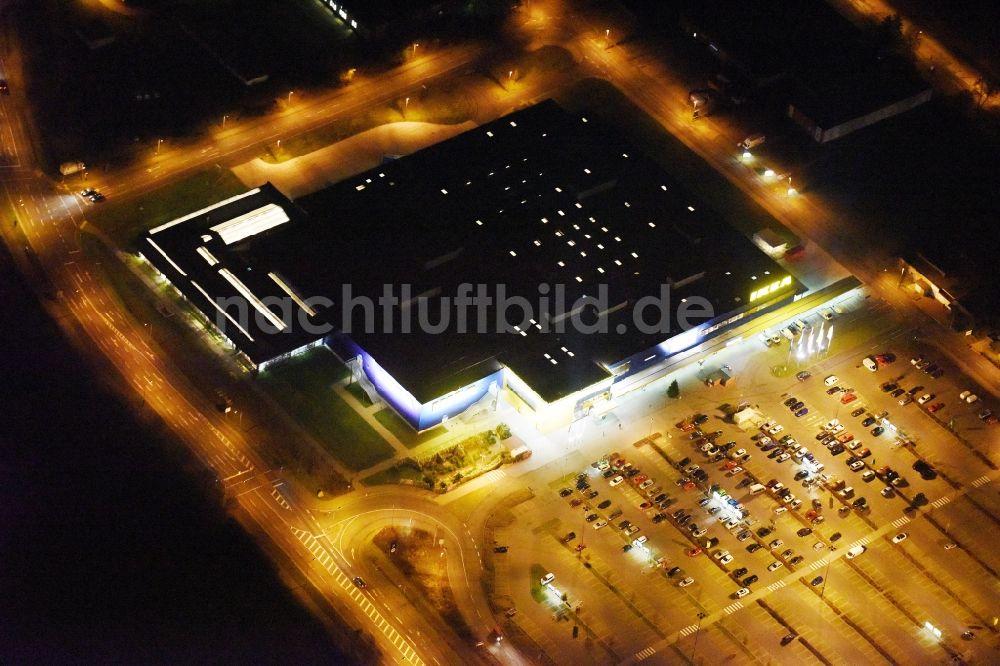 Rostock Bei Nacht Aus Der Vogelperspektive Nachtluftbild Gebäude