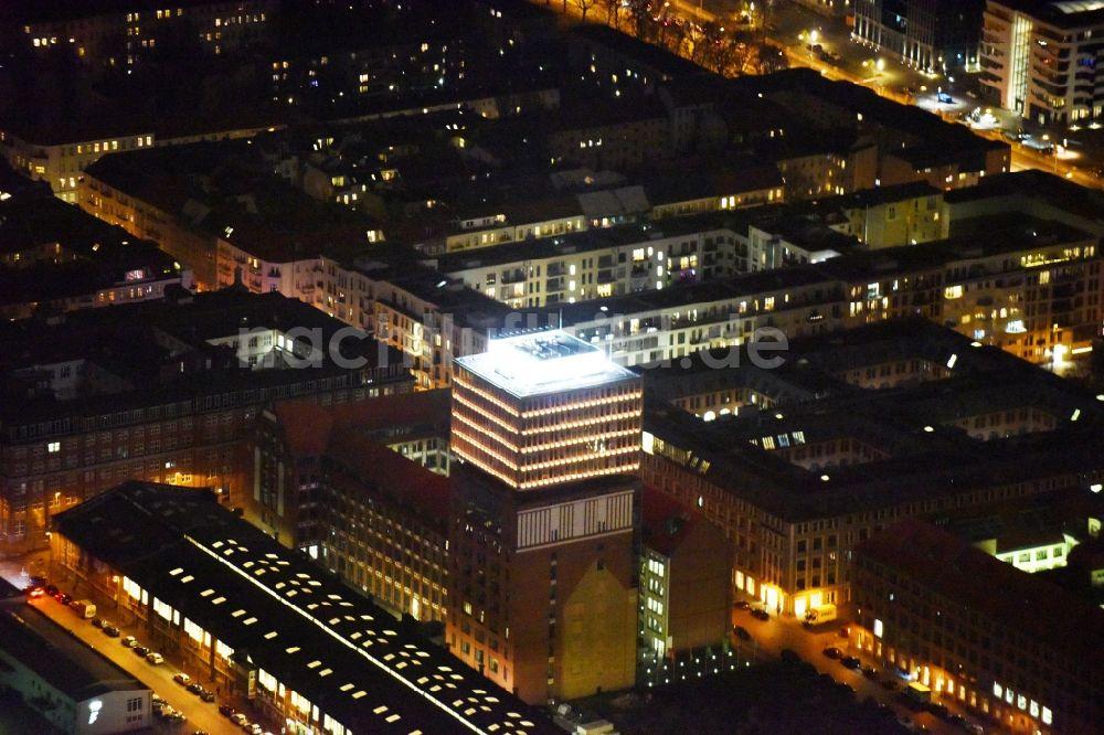 nachtluftbild berlin nachtluftbild oberbaum city im ortsteil friedrichshain in berlin. Black Bedroom Furniture Sets. Home Design Ideas